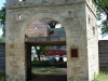 original-entrance-to-fort-garry